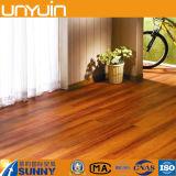 Mattonelle di pavimento di legno dell'interno autoadesive del vinile