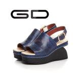 La manera de Gdshoe acuña los zapatos de cuero de la sandalia