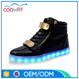 2017熱い販売多彩な点滅LEDは高いトップ・ライトの靴に蹄鉄を打つ