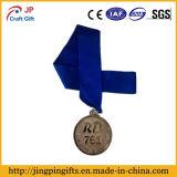 リボンが付いている昇進の銅の記念品の金属メダル