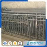 Dekorativer haltbarer europäischer bearbeitetes Eisen-Zaun