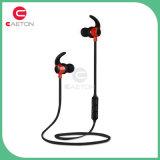 Tempo cobrando curto e auriculares pequenos de Bluetooth do tamanho