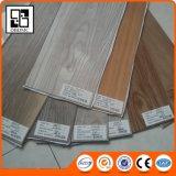 Carrelages bon marché en bois de PVC, plancher en bois de couleur de Vinly