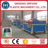 Plastikgras-Bodenbelag-Matte, die Maschine herstellt