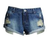 Short Jeans di alta qualità dell'OEM della signora europea blu-chiaro strappata allentata