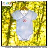 Le bébé de type de kimono vêtx le bébé organique Onesie de coton