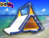 Glissade d'eau gonflable pour le jeu de sports aquatiques du parc aquatique flottant