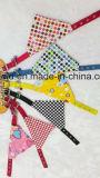 ペットバンダナのスカーフの調節可能な三角形犬のバンダナ