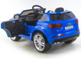 El modelo nuevo Audi Q7 autorizó paseo en el coche con teledirigido