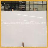 Piedra de mármol artificial blanca del cuarzo de Calacatta para el azulejo/las encimeras