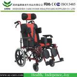 يشلّ كرسيّ ذو عجلات لأنّ أطفال