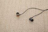 Écouteurs élégants et puissants Earbuds (DN-12) de Bruit-Isolement de large éventail en métal de Trident de Designdunu