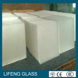 Baixo ferro Tempered vidro solar modelado