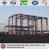 High Rise traitant l'usine industrielle avec la structure métallique