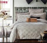 薄い灰色の綿繻子の波のホテルの寝具セット