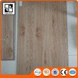 Revêtement en bois de carrelage de PVC de couleur de lame d'érable de prix bas