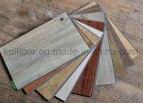 Plancher sain durable imperméable à l'eau de vinyle de PVC de Lvt de cliquetis de couplage de 4mm