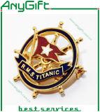 Insigne mol embouti en métal d'émail avec le logo adapté aux besoins du client