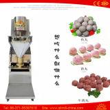 Pequeña mini albóndiga que hace el fabricante de la bola de carne del alimento que hace la máquina