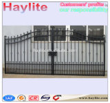 De Zwarte Poeder Met een laag bedekte Omheining van uitstekende kwaliteit van de Veiligheid van het Ontwerp van de Poort van het Ijzer Gietende