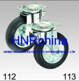 黒いゴム製車輪の旋回装置の版の上の足車