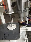 유리를 위해 유리제 모서리를 깎아내는 기계를 모서리를 낸다