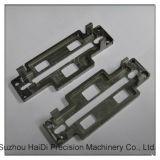 Peças fazendo à máquina do CNC para o bloco de alumínio