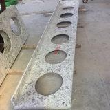 人工的な大理石の石から成っているカウンタートップ