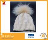 Raton laveur réel élégant de qualité ou chapeau tricoté de fourrure de Fox