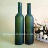 黒い無光沢の赤ワインのガラスビン750ml