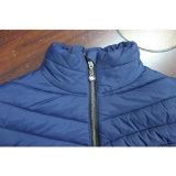 Il modo all'ingrosso delle donne copre i rivestimenti riempiti esterni blu di inverno