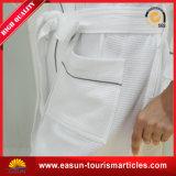 Pijamas coralinos bordados suaves estupendos del paño grueso y suave para el hombre/la albornoz, albornoz de seda de encargo
