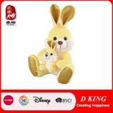 Drei Farben-Plüsch-Kaninchen-Spielzeug mit Häschen