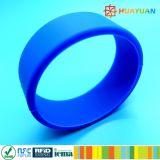 HUAYUAN! ! 13.56MHz ISO14443A復旦FM08はスマートなシリコーンRFIDのリスト・ストラップを防水する