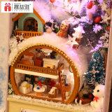 2017 Dollhouse de madera hermoso vendedor caliente del juguete DIY con el regalo encantador del rectángulo del hierro para embromar día de fiesta de la nieve y del hielo