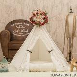 Casa de cão Washable real da madeira de pinho das barracas do animal de estimação do laço do triângulo