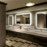 Specchio impermeabile di vanità LED della stanza da bagno di Frameless Fogfree dell'hotel di mercato degli Stati Uniti
