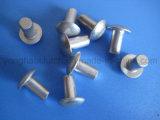 버섯 맨 위 단단한 알루미늄 리베트
