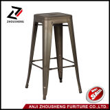 "30 ""Indoor and Outdoor Metal Counter Barstools robusto e empilhável Vintage Tolix Style Chair"