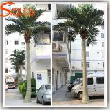 公園またはホテルの装飾のための人工的なココヤシの木の木