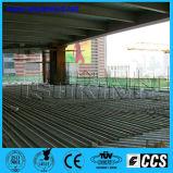 El arco exhausto dirigió la soldadora del ancla hacia la estructura de acero