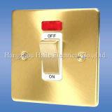 Switch chiaro con Socket (Standard BRITANNICO)