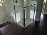Trilhos novos/balaustrada do vidro Tempered do balcão do projeto com o Baluster do vidro do aço inoxidável