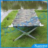 屋外の折る折り畳み寝台の伸張器