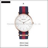 Relógio de pulso do estilo da cinta de couro D dos pares do relógio dos homens simples da promoção