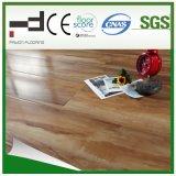 technologie allemande V-Biseautée cendrée de type de chêne de 12mm de l'eau d'utilisation européenne d'épreuve avec le meilleur plancher de stratifié des prix d'Uniclic et de salle de séjour de la CE AC3 HDF