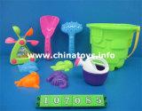 プラスチック浜の一定のおもちゃ。 夏のおもちゃ浜のバケツ、踏鋤(107093)