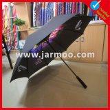 Gehen gedruckt, Golf-Regenschirm bekanntmachend