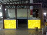 現代半透明なシートの大理石LED棒カウンター人工的な石造り棒表