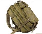 Los deportes al aire libre al por mayor que viajan yendo de excursión a militares del bolso que suben que acampan Backpack